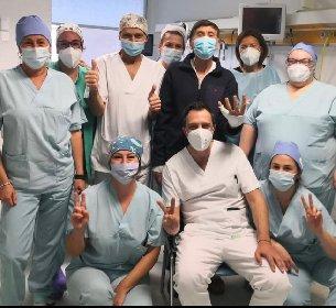 https://www.ragusanews.com//immagini_articoli/07-04-2021/1617825395-gianni-morandi-e-stato-dimesso-dall-ospedale-dopo-le-ustioni-1-280.jpg