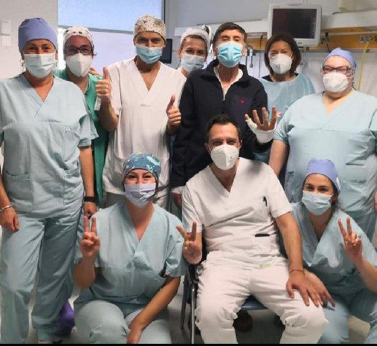 https://www.ragusanews.com//immagini_articoli/07-04-2021/1617825395-gianni-morandi-e-stato-dimesso-dall-ospedale-dopo-le-ustioni-1-500.jpg