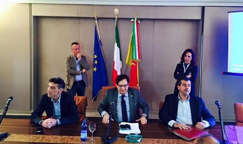 https://www.ragusanews.com//immagini_articoli/07-05-2015/sicilia-a-expo-abbiamo-scherzato-ricominciamo-da-tre-500.jpg