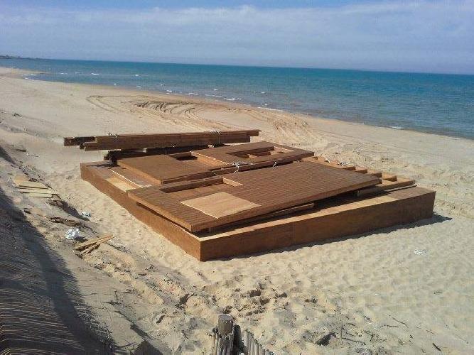 https://www.ragusanews.com//immagini_articoli/07-06-2014/una-multinazionale-privatizza-la-spiaggia-di-randello-500.jpg