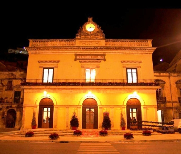 https://www.ragusanews.com//immagini_articoli/07-06-2017/dramma-galatea-teatro-garibaldi-500.jpg