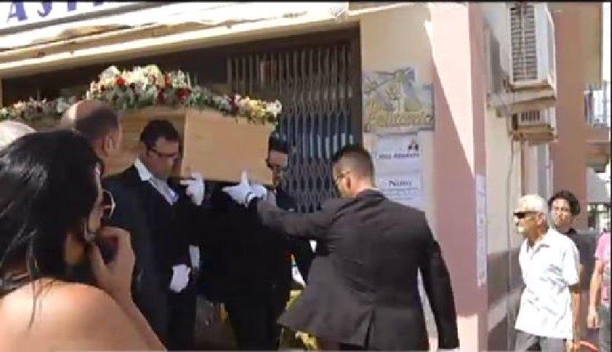 https://www.ragusanews.com//immagini_articoli/07-06-2018/modica-funerali-nino-spadaro-500.jpg