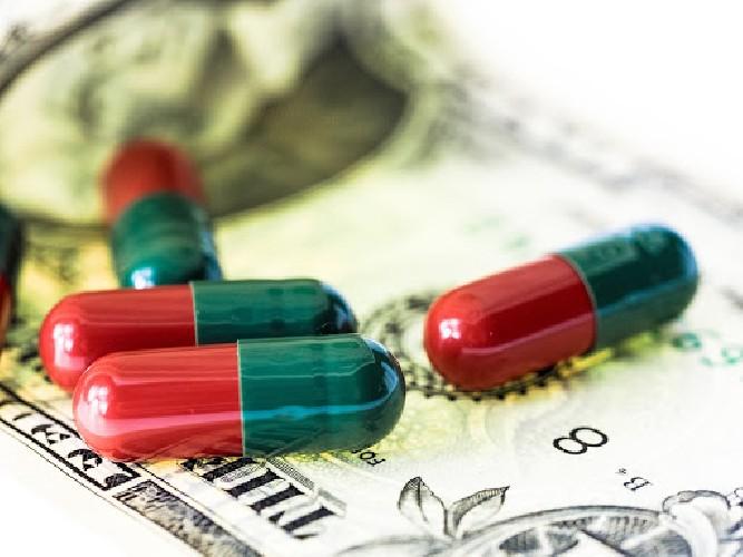 https://www.ragusanews.com//immagini_articoli/07-06-2020/nessuna-guerra-del-farmaco-500.jpg