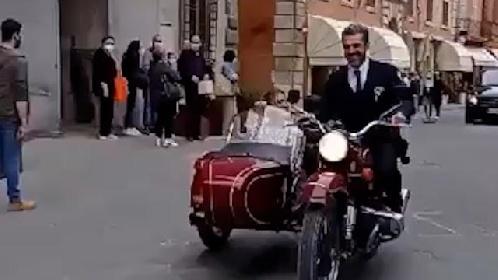 https://www.ragusanews.com//immagini_articoli/07-06-2021/luca-argentero-e-cristina-marino-nozze-a-sorpresa-in-sidecar-280.jpg