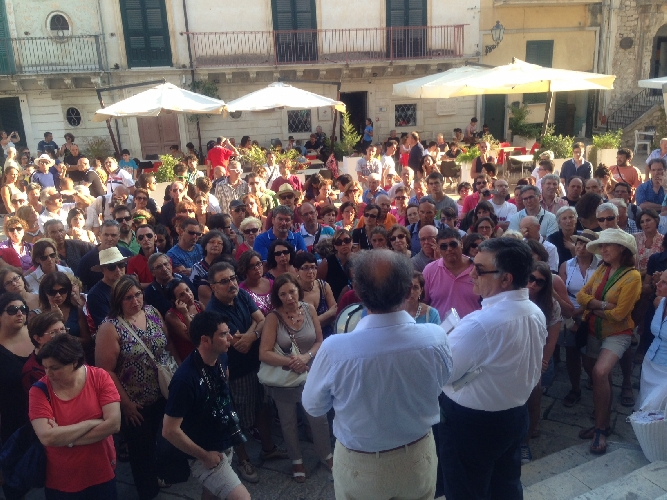 http://www.ragusanews.com//immagini_articoli/07-07-2014/federalberghi-sicilia-a-ragusa-turismo-in-forte-crescita-500.jpg