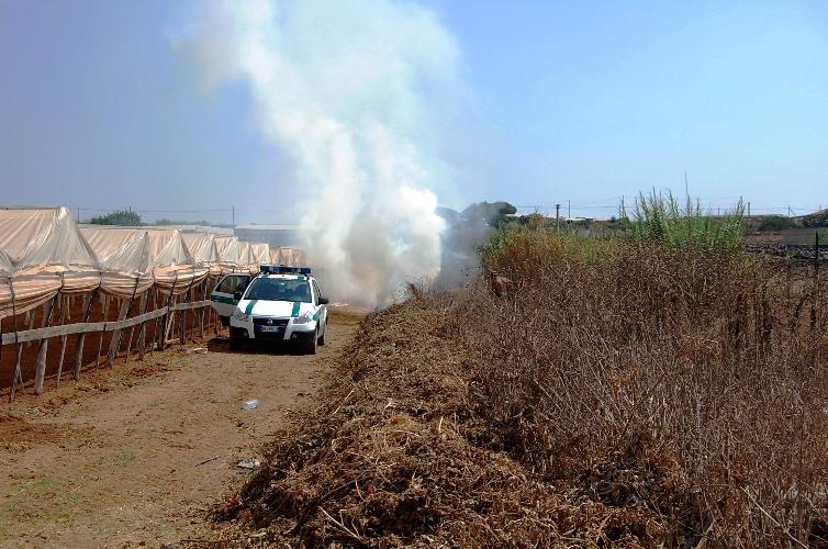 http://www.ragusanews.com//immagini_articoli/07-07-2014/tre-denunciati-per-fumarole-abusive-500.jpg