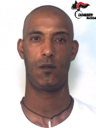 http://www.ragusanews.com//immagini_articoli/07-07-2016/arrestato-spacciatore-in-piazza-san-giovanni-500.jpg