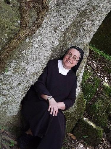 http://www.ragusanews.com//immagini_articoli/07-07-2017/donnalucatese-suor-ivana-calvo-superiora-carmelitane-missionarie-500.jpg