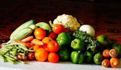 https://www.ragusanews.com//immagini_articoli/07-07-2020/trigliceridi-alti-la-dieta-per-abbassarli-240.jpg