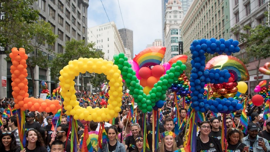 https://www.ragusanews.com//immagini_articoli/07-08-2018/siracusa-catania-insieme-pride-2019-500.jpg