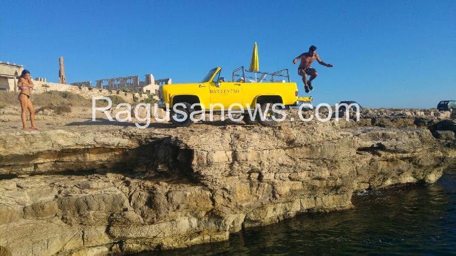 http://www.ragusanews.com//immagini_articoli/07-09-2017/tuffo-pisciotto-blazer-cabriolet-video-500.jpg