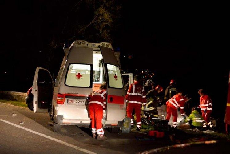 https://www.ragusanews.com//immagini_articoli/07-09-2018/grave-incidente-modica-scicli-feriti-500.jpg
