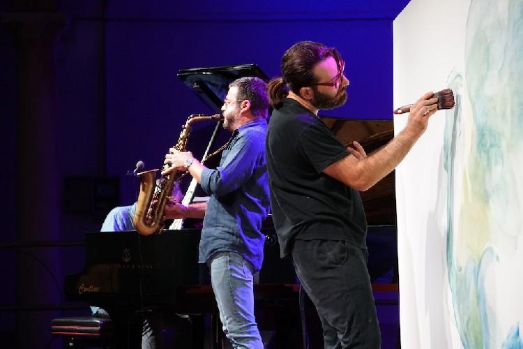 https://www.ragusanews.com//immagini_articoli/07-09-2020/bufalino-jazz-500.jpg