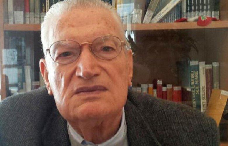 https://www.ragusanews.com//immagini_articoli/07-10-2018/morto-decano-siciliana-nino-lombardo-500.jpg