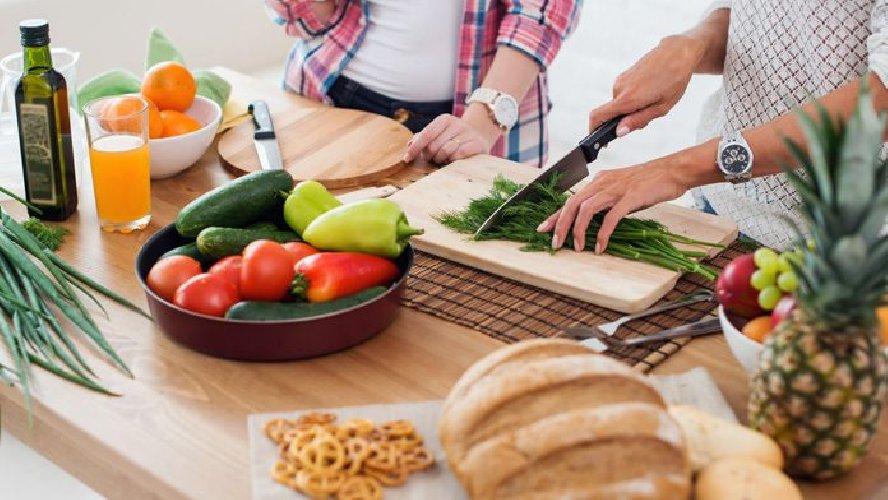 https://www.ragusanews.com//immagini_articoli/07-10-2019/la-dieta-per-chi-non-ha-tempo-di-cucinare-500.jpg