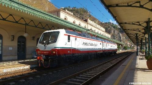 https://www.ragusanews.com//immagini_articoli/07-10-2021/arrivano-i-frecciabianca-siciliani-prezzi-servizi-tratte-e-orari-video-280.jpg