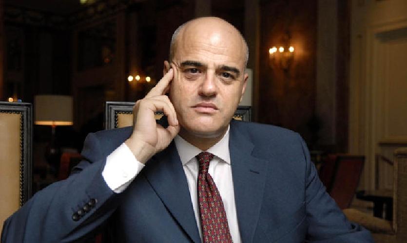 https://www.ragusanews.com//immagini_articoli/07-11-2014/crocetta-sconta-le-royalty-e-autorizza-le-trivelle-in-sicilia-500.jpg