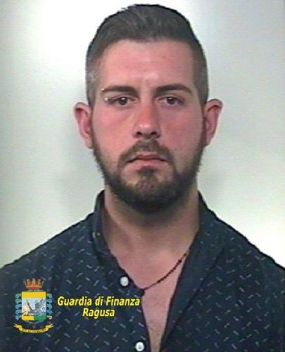 http://www.ragusanews.com//immagini_articoli/07-11-2017/ispica-arrestato-droga-maurizio-faraci-500.jpg