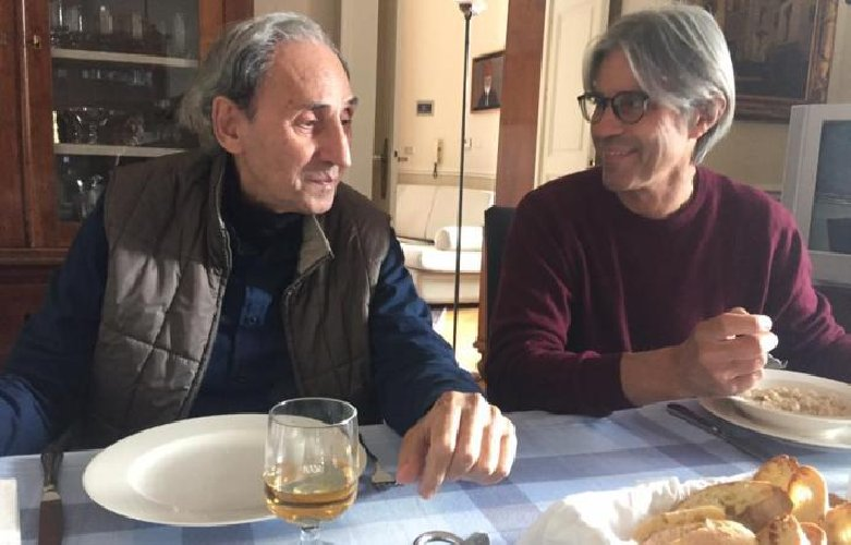 Franco Battiato torna sui social dopo la convalescenza