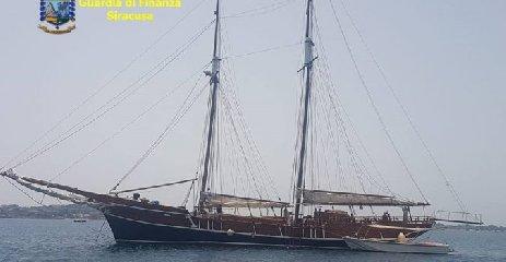 https://www.ragusanews.com//immagini_articoli/07-11-2019/12-yacht-immatricolati-allestero-e-nascosti-al-fisco-240.jpg