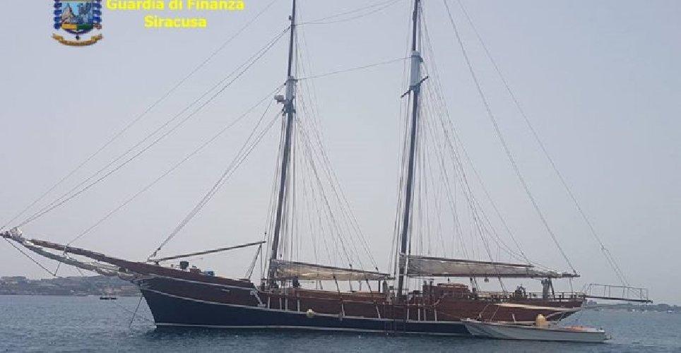 https://www.ragusanews.com//immagini_articoli/07-11-2019/12-yacht-immatricolati-allestero-e-nascosti-al-fisco-500.jpg