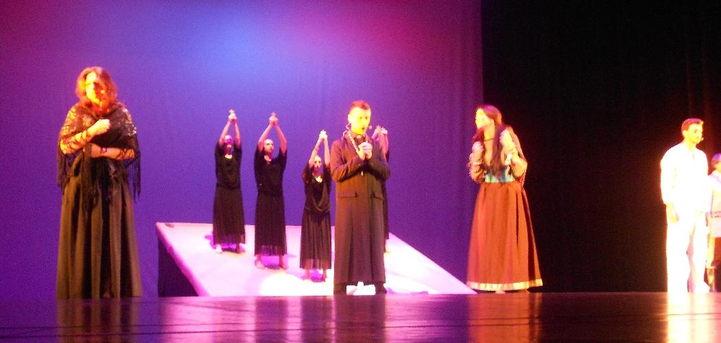 http://www.ragusanews.com//immagini_articoli/07-12-2015/la-lupa-in-teatro-a-ragusa-500.jpg