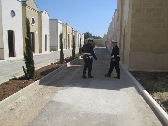http://www.ragusanews.com//immagini_articoli/07-12-2016/due-vigili-urbani-aggrediti-al-cimitero-di-vittoria-420.jpg