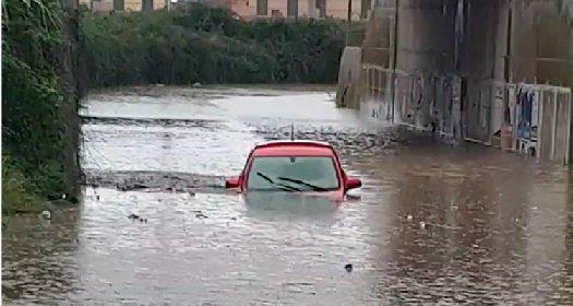 https://www.ragusanews.com//immagini_articoli/07-12-2020/ragusa-settimana-di-pioggia-temperature-giu-fino-a-5-gradi-280.jpg