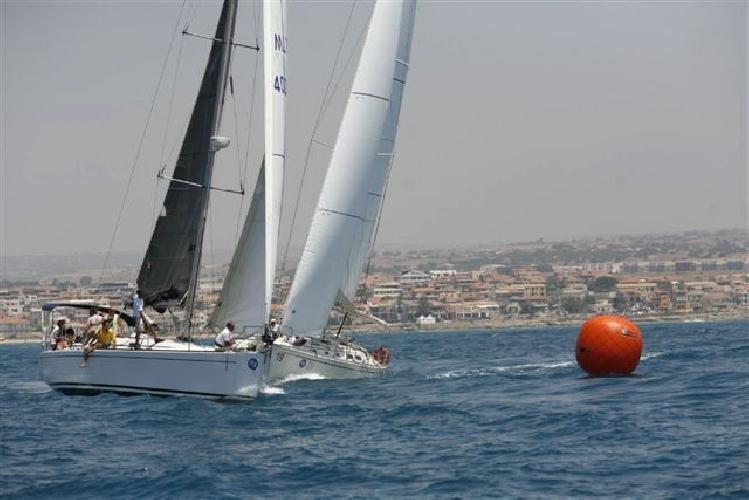 https://www.ragusanews.com//immagini_articoli/08-01-2012/veleggiata-della-befana-vince-velado-di-casapruno-e-sgarlata-500.jpg