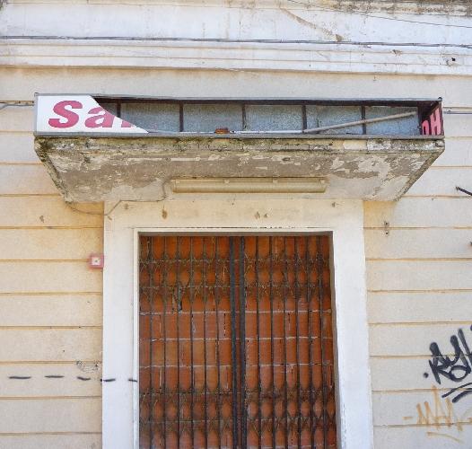 https://www.ragusanews.com//immagini_articoli/08-01-2015/ragusa-cadente-e-squallido-lex-albergo-san-giovanni-500.jpg