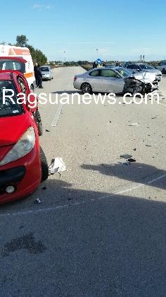 http://www.ragusanews.com//immagini_articoli/08-01-2017/scontro-maganuco-feriti-420.jpg