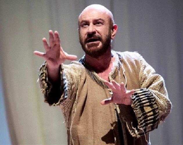 http://www.ragusanews.com//immagini_articoli/08-01-2018/omaggio-luigi-pirandello-teatro-donnafugata-ragusa-500.jpg
