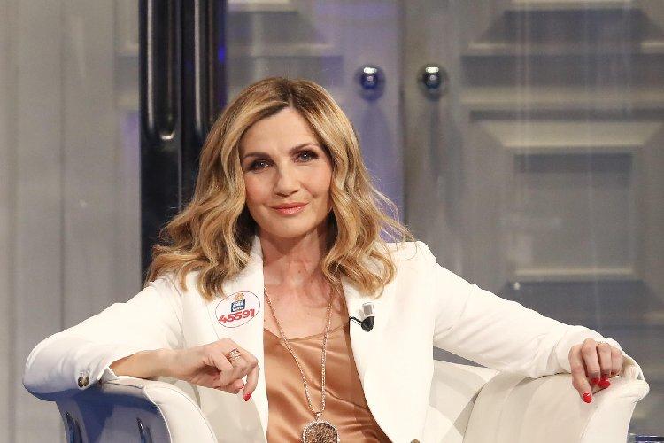 Lorella Cuccarini positiva al Covid: maestra ad