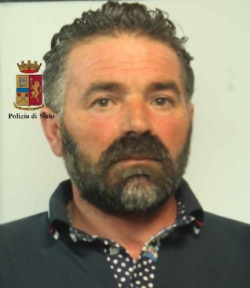 http://www.ragusanews.com//immagini_articoli/08-02-2017/arsenale-casa-arrestati-francesco-calogero-marco-piscopo-420.jpg
