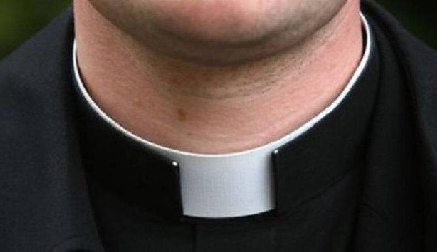 https://www.ragusanews.com//immagini_articoli/08-02-2018/siracusa-rinviato-giudizio-sacerdote-accusato-violenza-sessuale-500.jpg