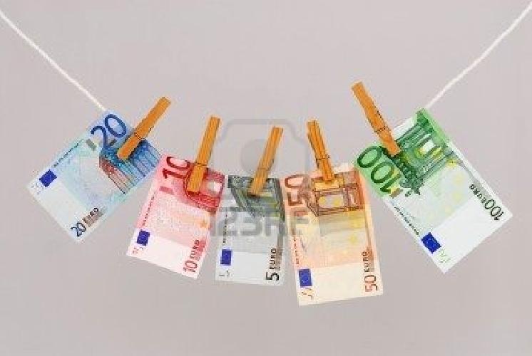 https://www.ragusanews.com//immagini_articoli/08-03-2014/riciclaggio-il-denaro-sporco-pulito-da-un-imprenditore-a-ragusa-500.jpg