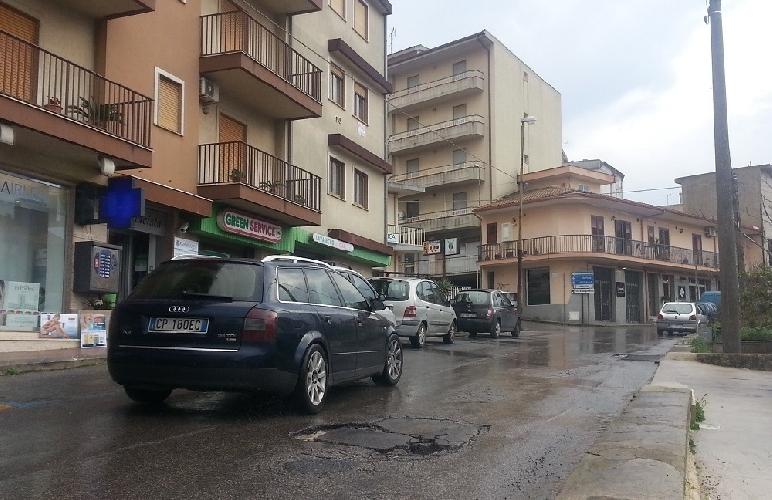 https://www.ragusanews.com//immagini_articoli/08-03-2014/via-san-giuliano-si-faccia-marcia-indietro-500.jpg