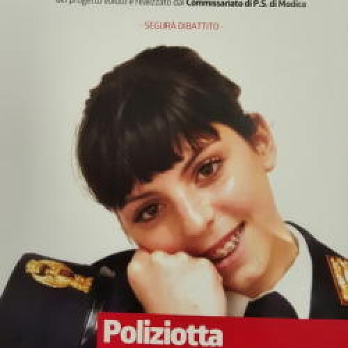 http://www.ragusanews.com//immagini_articoli/08-03-2016/poliziotta-per-un-giorno-500.jpg