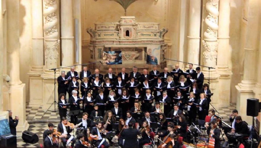 https://www.ragusanews.com//immagini_articoli/08-03-2017/christi-passio-coro-orchestra-cantus-novo-500.jpg