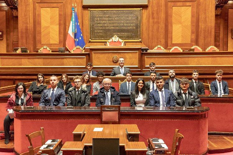 https://www.ragusanews.com//immagini_articoli/08-03-2019/istituto-dante-ragusa-giorno-senato-500.jpg