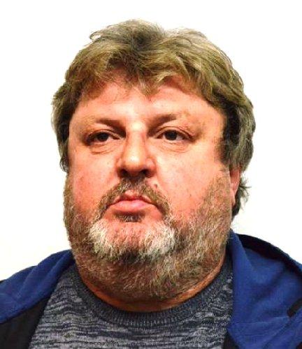 https://www.ragusanews.com//immagini_articoli/08-04-2019/1554722875-i-cinque-arrestati-di-pachino-1-500.jpg