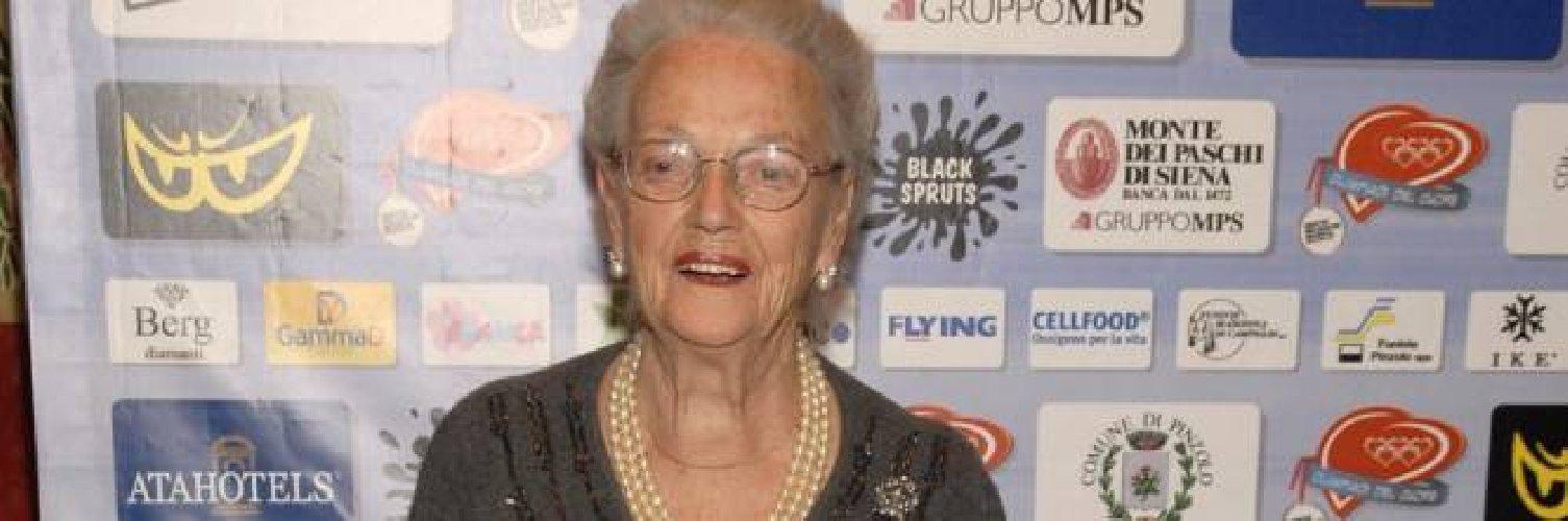 https://www.ragusanews.com//immagini_articoli/08-04-2021/mamma-brosio-compie-100-anni-e-spegne-le-candeline-in-tv-500.jpg