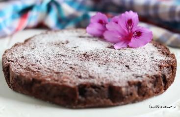 https://www.ragusanews.com//immagini_articoli/08-05-2020/1588970795-torta-di-riso-al-cioccolato-1-240.jpg