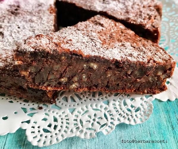 https://www.ragusanews.com//immagini_articoli/08-05-2020/torta-di-riso-al-cioccolato-500.jpg