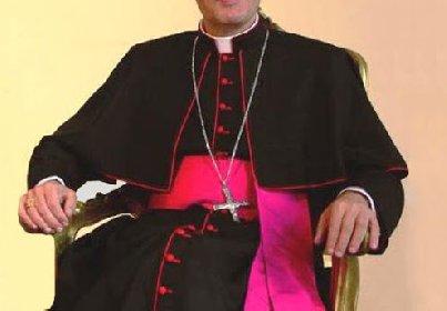 https://www.ragusanews.com//immagini_articoli/08-05-2021/c-e-il-nuovo-vescovo-di-ragusa-sara-creato-dal-papa-alle-12-280.jpg