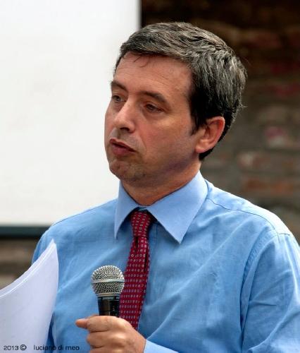 http://www.ragusanews.com//immagini_articoli/08-06-2014/il-comitato-pro-tribunale-di-modica-ha-incontrato-il-ministro-500.jpg