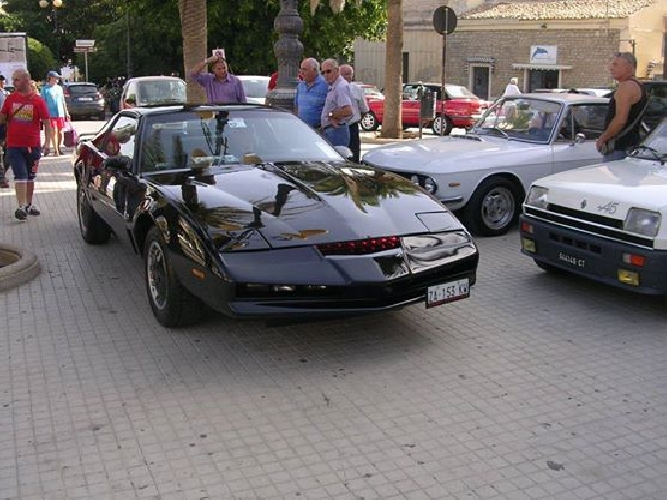 http://www.ragusanews.com//immagini_articoli/08-06-2015/ora-la-kitt-supercar-di-pozzallo-guida-da-sola-500.jpg