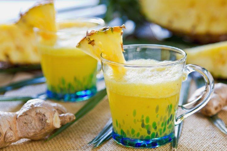 https://www.ragusanews.com//immagini_articoli/08-06-2019/ananas-e-zenzero-energizzante-sciogligrasso-per-una-pancia-piatta-500.jpg