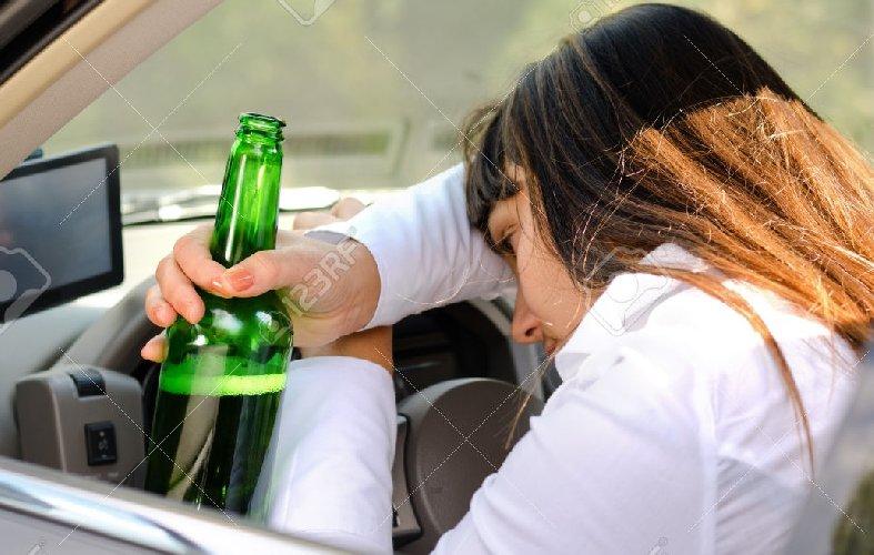 https://www.ragusanews.com//immagini_articoli/08-06-2019/scicli-donna-30-anni-ubriaca-guida-500.jpg