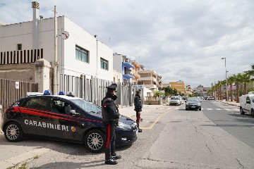 https://www.ragusanews.com//immagini_articoli/08-06-2020/spaccio-a-pozzallo-operazione-dei-carabinieri-240.jpg